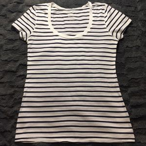 Old Navy Striped T-shirt XS